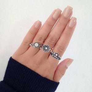 Jewelry - Bohemian Princess Midi Rings Set